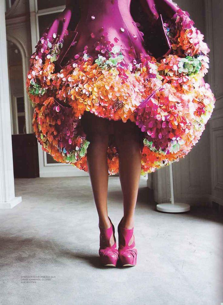 put this in my petticoat pleaseDior Spring, Style, Christiandior, Christian Dior, Flower Dresses, Dior Haute, 2008 Haute, Couture Fashion, Haute Couture
