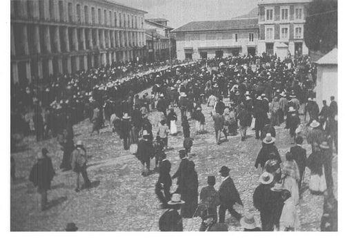 Bogotá 1890 Galerias Plaza de Bolivar (s.f)