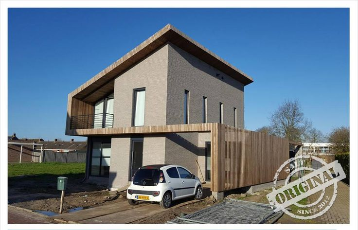 moderne woning. Simpele hoofdvorm met houten accent. duidelijke vormentaal #architectuur #villa #modern #vrijstaand #woning #hout #wit #zeeland #buroSALT #duurzaam