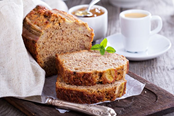Pâinea cu banane sau banana bread este o rețetă americană de pâine dulce, dar în ultima vreme a devenit foarte populară și la noi.