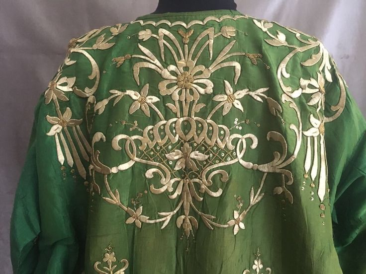19th ANTIQUE OTTOMAN-TURKISH GOLD METALLIC DIVAL HAND EMBROIDERIED BRIDAL DRESS 9