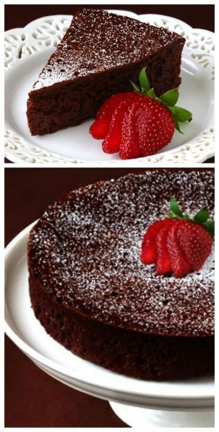 3-Ingredient Flourless Chocolate Cake -- decadent, delicious, and made with just eggs, butter and chocolate! #glutenfree #chocolate