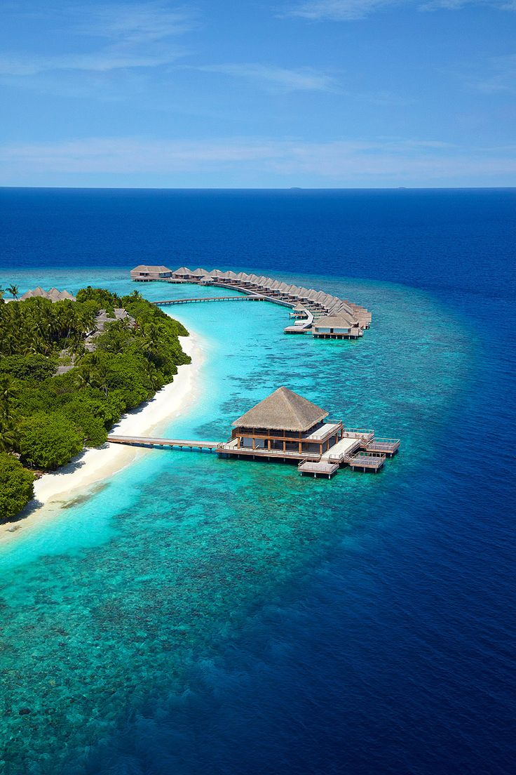 The Dusit Thani Maldives is a spectacular green dot in a sea of blue. The stunning hotel is located on Muhdhoo Island on the Maldives and provides its guest a taste of paradise
