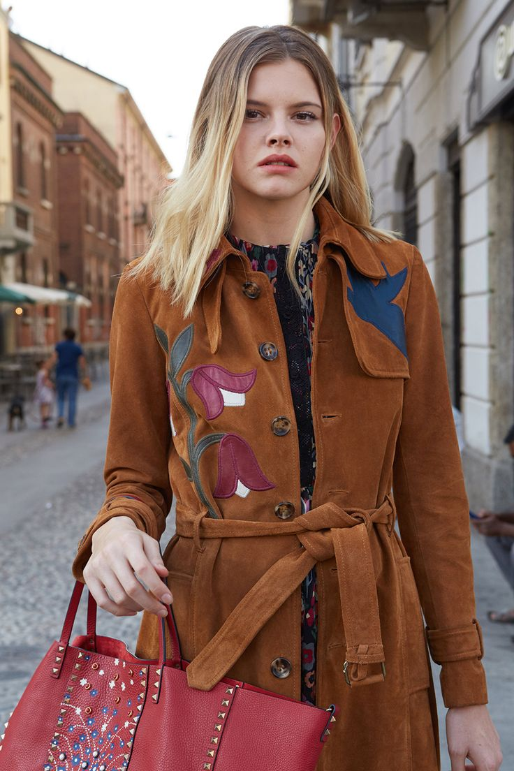 Daisy Davies in Valentino by Stefania Paparelli for Australia's Next Top Model season 10, Milan 2016