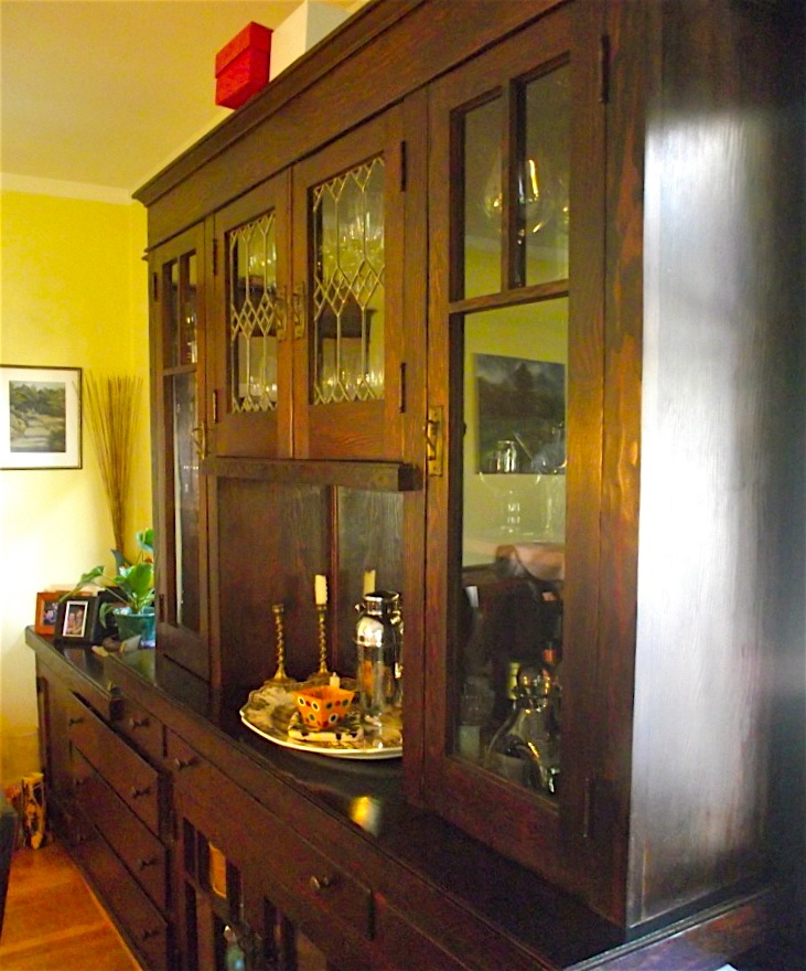 Nice looking builtin china cabinet Great leaded glass  Arts  CraftsNouveau Eye Candy