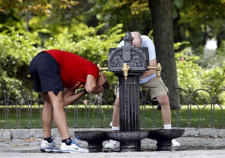 La Consejería de Sanidad de la Comunidad de Madrid sube a 2 el nivel de alerta máxima por calor,pudiendo llegar este viernes a sobrepasar los 39 grados.
