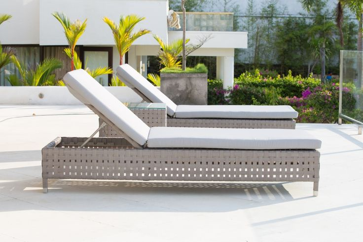 Cielo Loungers. Skyline Disigns, Grey rattan woven into loungers, perfect for relaxing in the sun #OutdoorLoungers #SkylineDesigns #CommercialLoungers #GardenLoungers #GreyRattanLoungers #GardenLoungers #greyrattanLoungers