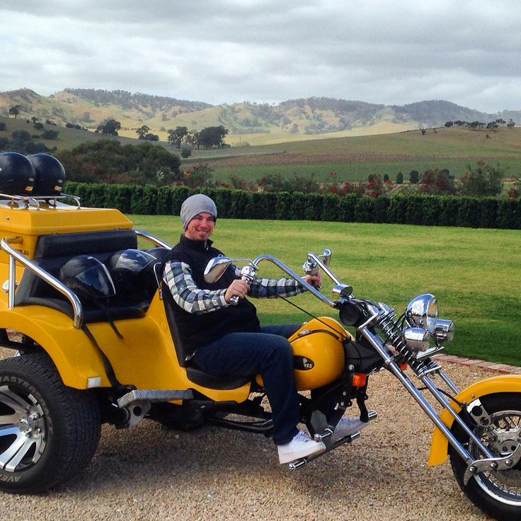 Trike 'n' fun with the beautiful Barossa Ranges beyond