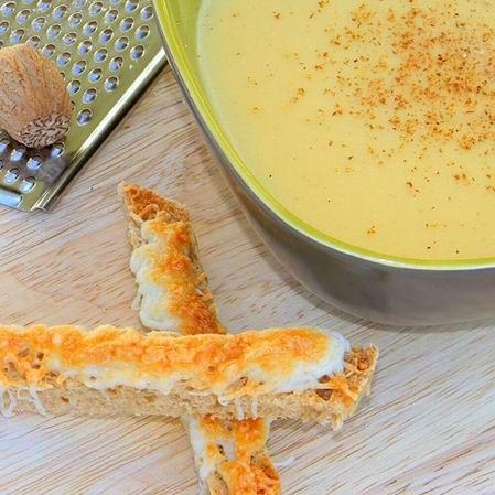 Egy finom Szerecsendiós sárgaborsó krémleves ebédre vagy vacsorára? Szerecsendiós sárgaborsó krémleves Receptek a Mindmegette.hu Recept gyűjteményében!