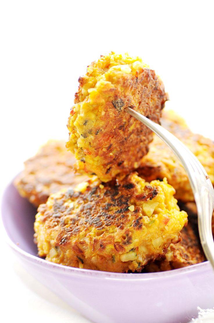 frikadeller med varme krydderier indiske kartoffelfrikadeller 600 g kartofler (kog dem evt. dagen i forvejen) 2 tsk korianderfrø 2 tsk spidskommenfrø 2 tsk fennikelfrø ½ chili eller efter smag 100 …