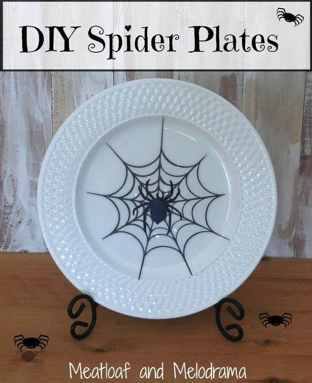 Update Your Plain Dishes With These Adorable Ideas Halloween Plates Halloween Plates Diy Easy Diy Halloween