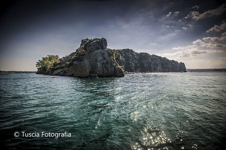 Isola Martana Lago di Bolsena.  © Tuscia Fotografia