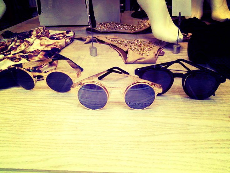 In love with the glasses...