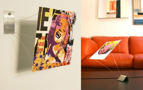Julien Vidame, les Supports-Photo (deux versions: à poser ou mural), inox brossé, taille de la plaque: 40 x 70 x 3 mm.