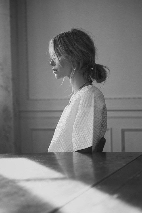 Love the casual low bun with the textured top