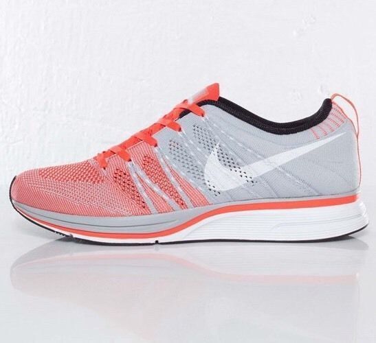 nike flyknit trainer grey red