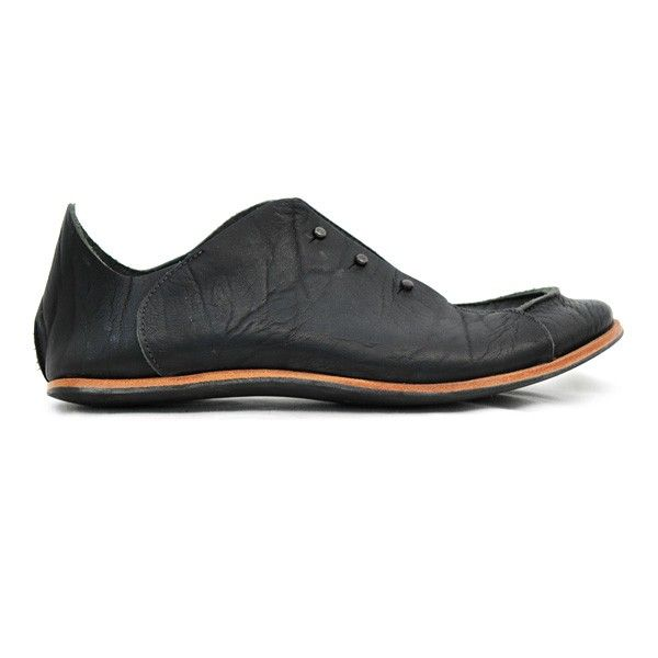 Cydwoq make amazing shoes.    http://cydwoq.com/mens/shoes/phantom-m.html