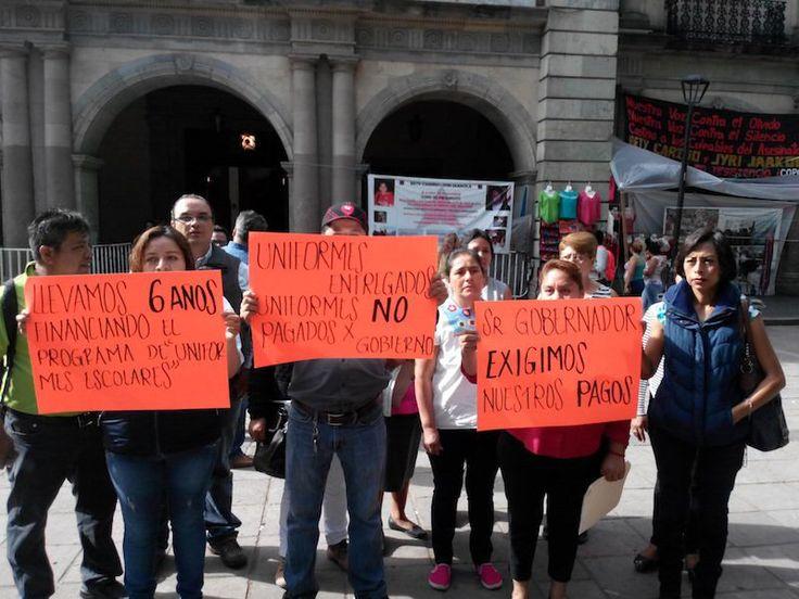 Proveedores de uniformes escolares exigen al gobierno estatal  liquidación por sus servicios