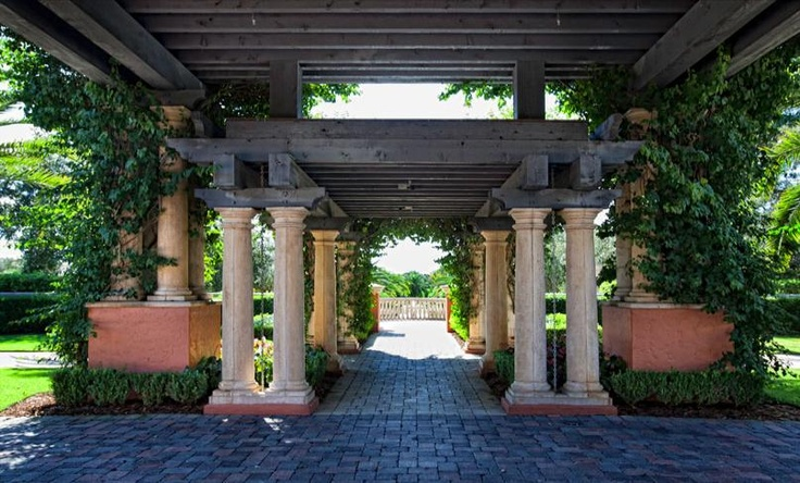 14 best images about porte cochere on pinterest porticos for What is a porte cochere