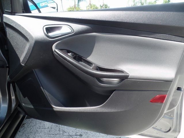 Cool Ford: Used 2014 Ford Focus For Sale | West Palm Beach FL  2014 Ford Focus SE Sedan Check more at http://24car.top/2017/2017/07/25/ford-used-2014-ford-focus-for-sale-west-palm-beach-fl-2014-ford-focus-se-sedan-7/