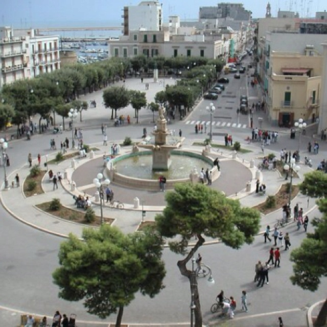 Mola di Bari, Italy! I am pretty sure I have been to this piazza... So weird : D