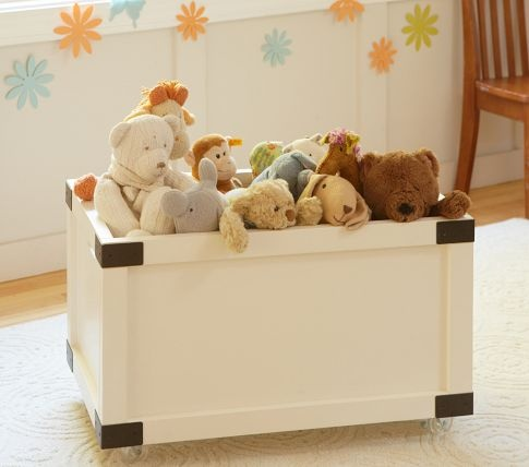 Rustic Toy Box   love the corners and no top.  and pretty sure i can make this for significantly less than $200