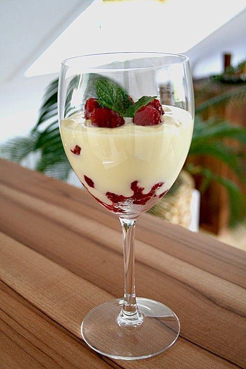 Weiße Creme mit Himbeeren, ein sehr leckeres Rezept aus der Kategorie Dessert. Bewertungen: 59. Durchschnitt: Ø 4,2.
