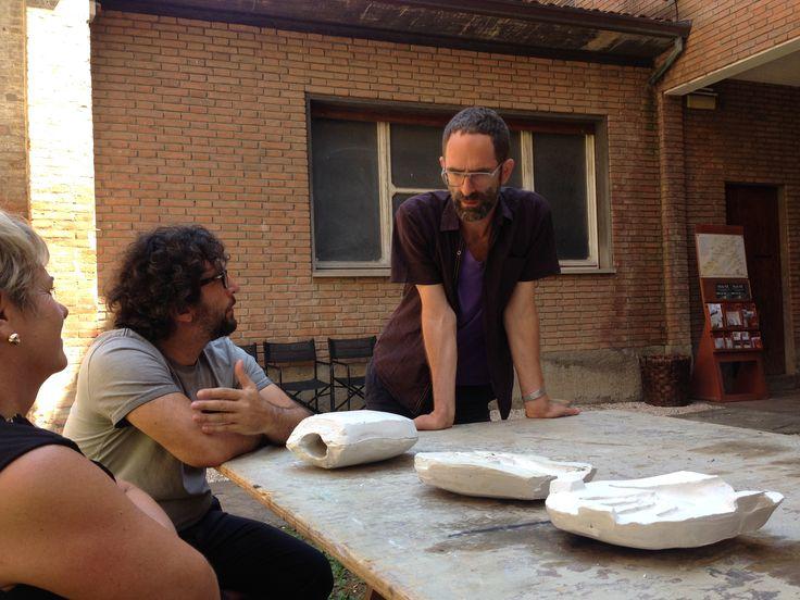 Matteo, Jonathan and Aida are consulting the vase.  waiting for #JonathanMonk #claymation 5.10.2015 h 21 at #MuseoCarloZauli #ResidenzaDArtista #Faenza #vase #workinprogress #MonkCallsZauli #claymation #makingok #MCZ #CorsoPerCuratori #ceramics #contemporaryceramics #ArtistInResidence #ceramica photo by Martina Di Toro