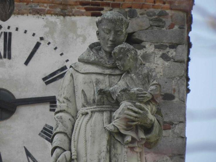 Cossato, piazza chiesa, particolare