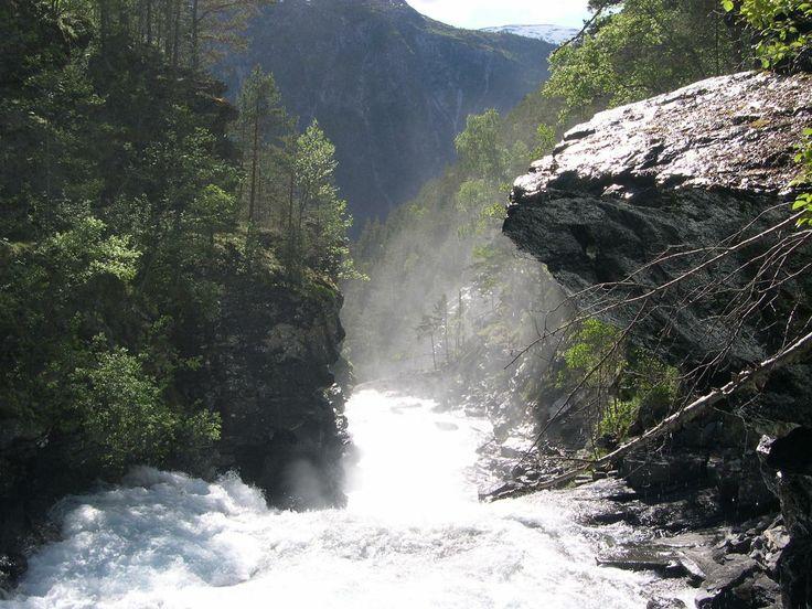 Aurland, Sogn og Fjordane, Norway. www.inatur.no/storviltjakt/50f3f383e4b0a76bd875d218/hjortejakt-aurland-i-sogn-og-fjordane | Inatur.no