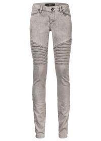 Skinny biker jeans grijs  Shop broeken en jeans bij DEPT dé online fashion webshop voor dames. In iedere collectie van DEPT staan kleuren en prints centraal. Bestel nu uit de nieuwe collectie en ervaar het zelf!  EUR 29.99  Meer informatie