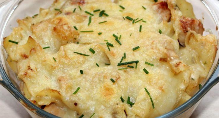 Ananászos-csirkés sült tészta recept: Az ananászos-csirkés sült tészta egy jó vacsora ötlet lehet, ha gyorsan szeretnénk valami finomat varázsolni az asztalra. Nálunk kicsik, és nagyok egyaránt szívesen fogyasztják. :) Próbáld ki ezt a finom ananászos-csirkés sült tészta receptet!