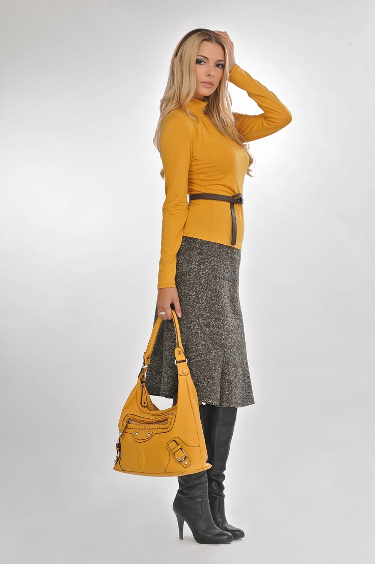 grey+yellow= great combination  #bellamode