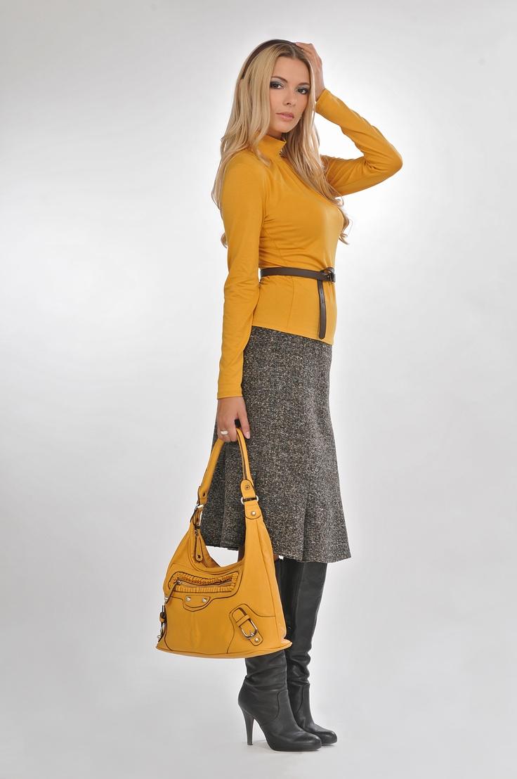 grey+yellow= great combination  #bellamode