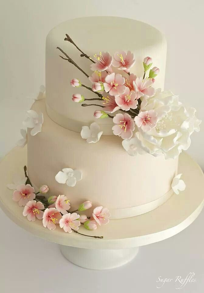 Decorate Cake With Fondant Flowers : Best 25+ Fondant flower cake ideas on Pinterest Fondant ...