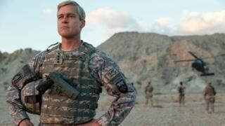 """Porque un especialista de la guerra de Afganistán cree que """"War Machine"""",  la última película de Brad Pitt, se debe mostrar en las universidades"""