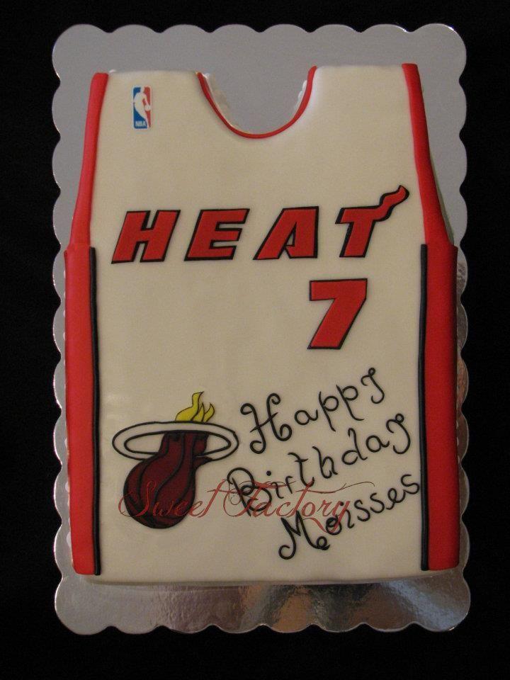 Sport cake / Miami Heat Cake / Basketball T-shirt cake / T-shirt NBA Miami Heat