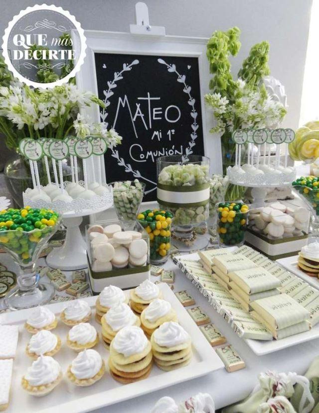 decoración mesa dulce bautizo y comunión tonos verdes