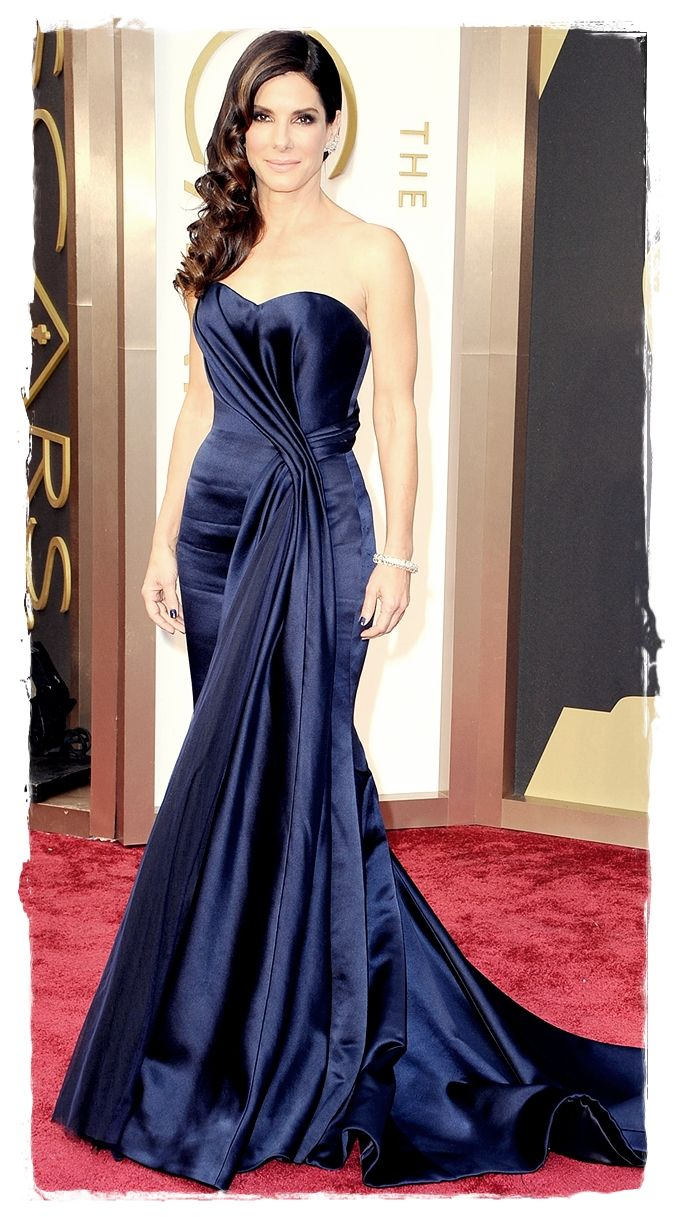 Hottest Red Carpet Dresses Oscar Award 2014 - Sandra Bullock