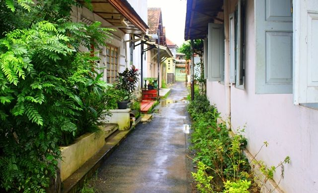 street inside the Kauman Batik Village