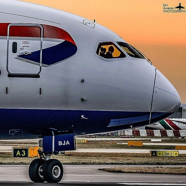 British Airways B787-8 Dreamliner taxiing at London Heathrow airport (LHR) Shot by @dh_aviation_photography
