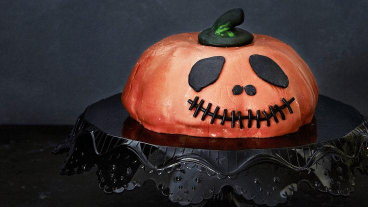 Halloweenin kurpitsakakku maistuu suklaalta ja appelsiinilta.  Tämäkin resepti vain n. 0,75€/annos*.
