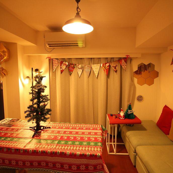 【パーティールーム歌舞伎町】 8名までのホームパーティーに最適な空間です。 ゲーム大会/女子会/同窓会/宅飲み/映画鑑賞/長時間の打ち合わせなどにご利用いただいております。 現在は、クリスマス装飾中となります!※12月25日まで  ■設備  ・55型テレビ×1(地上波)  ・AppleTV×1   ※YouTube利用、MacPCのミラーリングがすぐに使えます  ・プロジェクター×1    ※専用のスクリーンはありませんが、ホワイトボードに投影可能です  ・DVD・Blu-rayプレイヤー   ※機種:パナソニック フルHDアップコンバート対応 DMP-BD90   ※ACアダプタ・HDMIケーブル付属  ・ニンテンドー64本体 ※コントローラー4つ  ・ソフト3種類(大乱闘スマッシュブラザーズ・マリオカート・マリオパーティー)  ・長テーブル×1 ※折りたたみ可・オーク材 幅160×奥行70×高さ72cm  ・スツール×6  ・ソファー×2  ・ホワイトボード×1  ・プロジェクター×1  ・エアコン×1  ・冷蔵庫(45L)×...