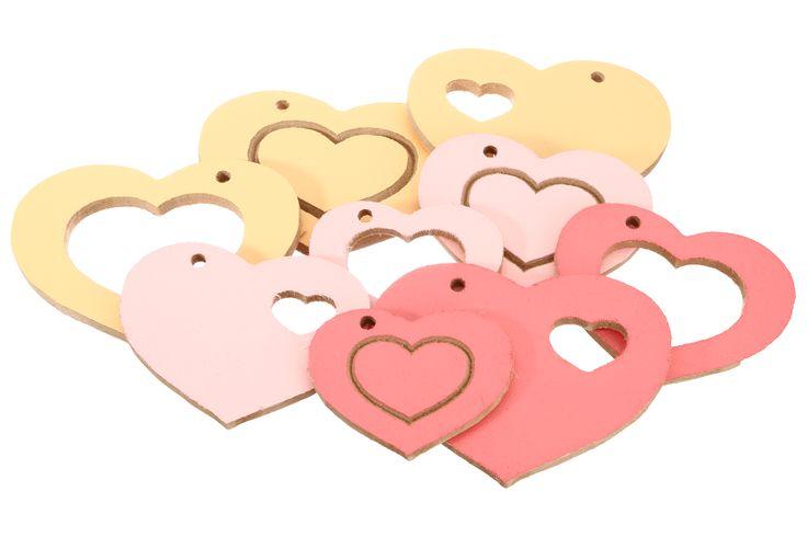 Wil je de ruimte mooi versieren met allemaal verschillende hartjes van verschillende formaten. Maak er één romantische ruimte van......... Leuk voor een bruiloft / verloving / geboorte of een ander feest. Vanaf 1,75 euro. www.voorjulliegemaak.nl