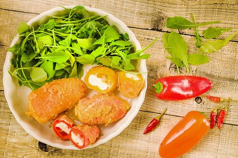 Křupavá pochoutka, která zmizí ze stolu během chvilky, to jsou tyto lahodné papričky!