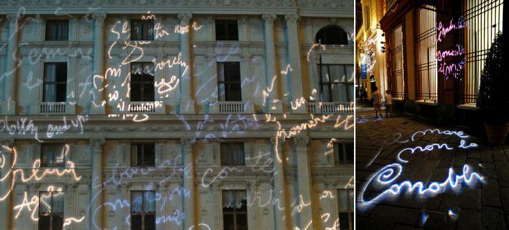 Scritte sui muri? Sì, grazie! Genova, autunno 2011, i versi di poeti famosi vengono affidati a fasci di luce che proiettano le scritte su palazzi storici e sul selciato dei vicoli. La poesia non abbellisce solo la vita, ma anche la città, facendo provare emozioni forti. A chi leggerà uno di questi ebook, auguro di provare sensazioni positive (a € 0,99 l'uno): Ricordami che sono felice http://www.amazon.it/dp/B00BSHHA9S Insegnami a vivere http://www.amazon.it/dp/B00E8JEFNC