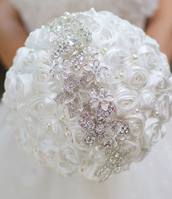 25 best ideas about bridal brooch bouquet on pinterest brooch bouquets wedding brooch. Black Bedroom Furniture Sets. Home Design Ideas