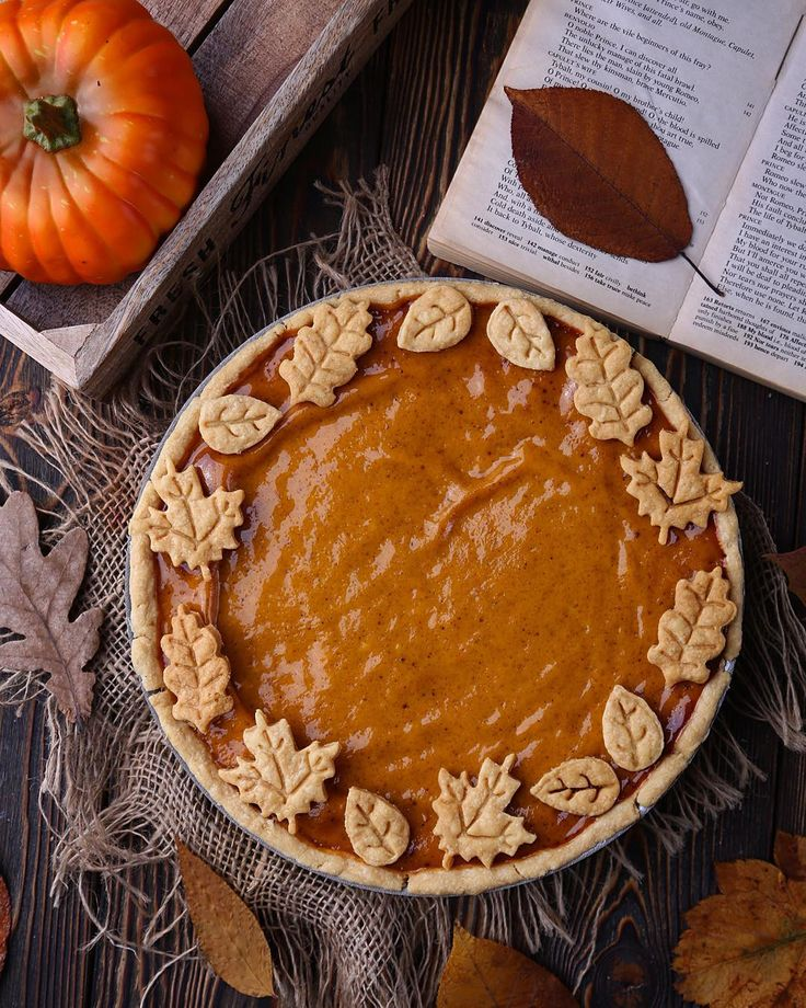 Autumn pumpkin pie from the last shooting for @azourabova gorgeous cookbook  Оооосень, осень, ну давай у листьев спроооосиим Супер картинкой , снятой мной для не менее крутой кулинарной книги хотела спросить , а кто-нибудь тут собирается в это воскресенье на Kinfolk бранч в Дом Печати [ Екб ] ?  А то вся моя компашка отказалась, не хотят пять блюд испробовать, сервировку изящную посмотреть и просекко побаловаться  кто идёт отзовись !