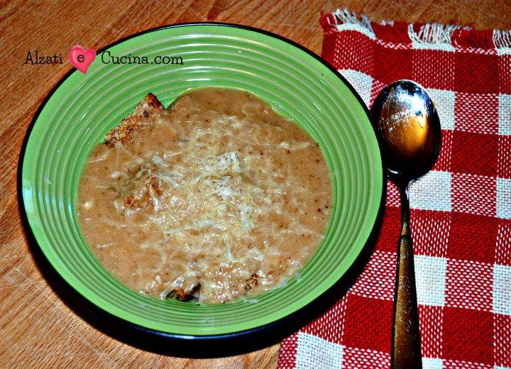 Zuppa di cipolle tricolore