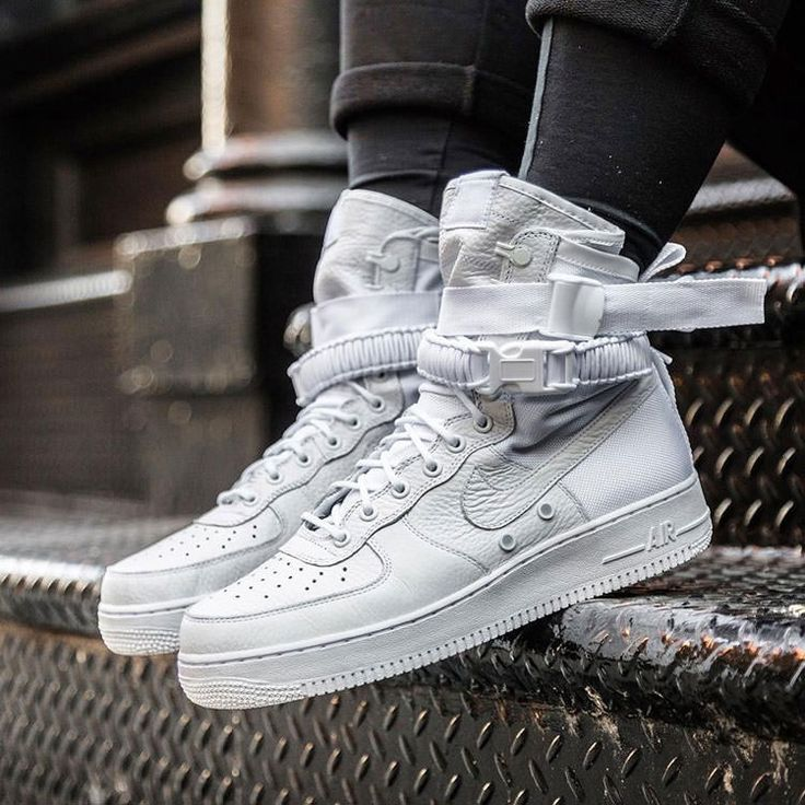 "Nike Special Field Air Force 1 ""Faded White-Gum"" to NIKE's classic Special Forces Boot and Air Force 1 shoes for the design of the blueprint, and by the combination of high-quality leather tough and durable Ballistic Nylon material to create."